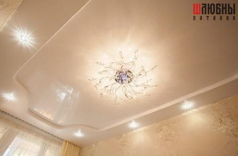 Двухуровневый потолок в спальню